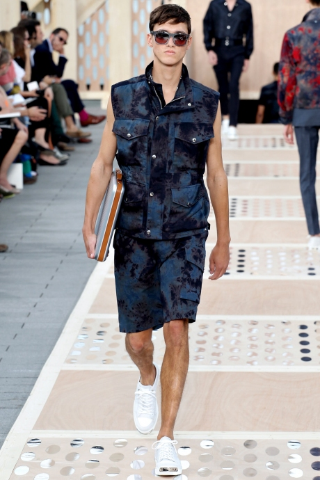 1375286426_louis_vuitton_mens_collection_spring_summer_2014_31