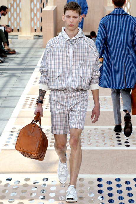 1375286375_louis_vuitton_mens_collection_spring_summer_2014_13