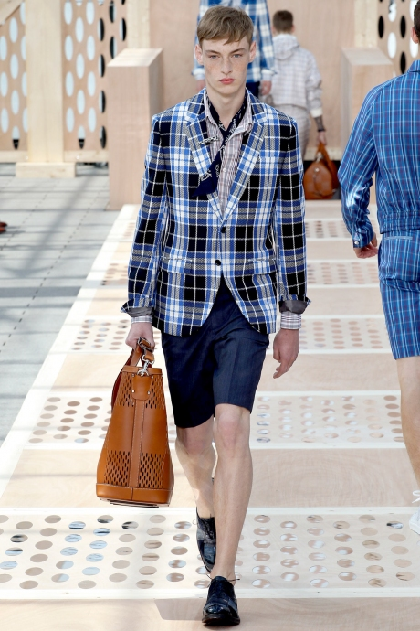1375286387_louis_vuitton_mens_collection_spring_summer_2014_15