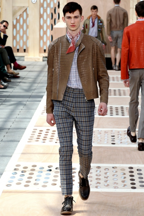 1375286405_louis_vuitton_mens_collection_spring_summer_2014_24