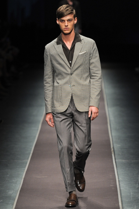 1383658795_review_of_the_comedy_the_nanny_mens_fashion_trends_for_spring_2014_24